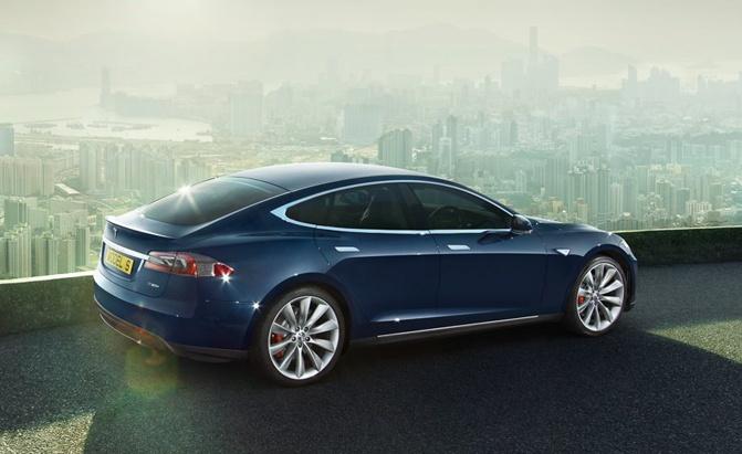 Tesla Model S: теперь с двумя моторами и батареей на 70 кВт*ч - 1