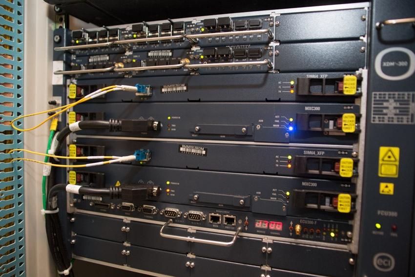 Аппаратный зал (про инфраструктуру спутниковой сети и осциллограф) - 23