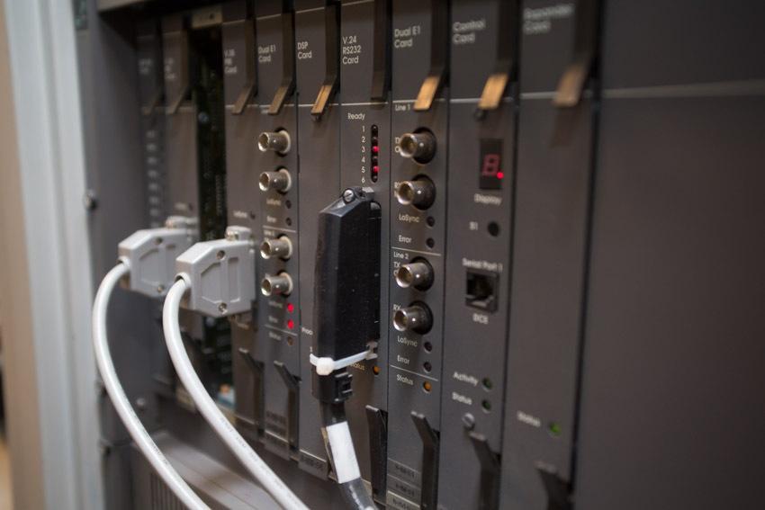 Аппаратный зал (про инфраструктуру спутниковой сети и осциллограф) - 24