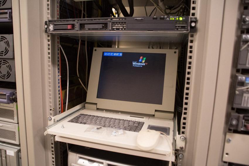 Аппаратный зал (про инфраструктуру спутниковой сети и осциллограф) - 32