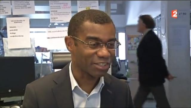 Французский телеканал был взломан после интервью сотрудника на фоне стикеров с паролями - 2