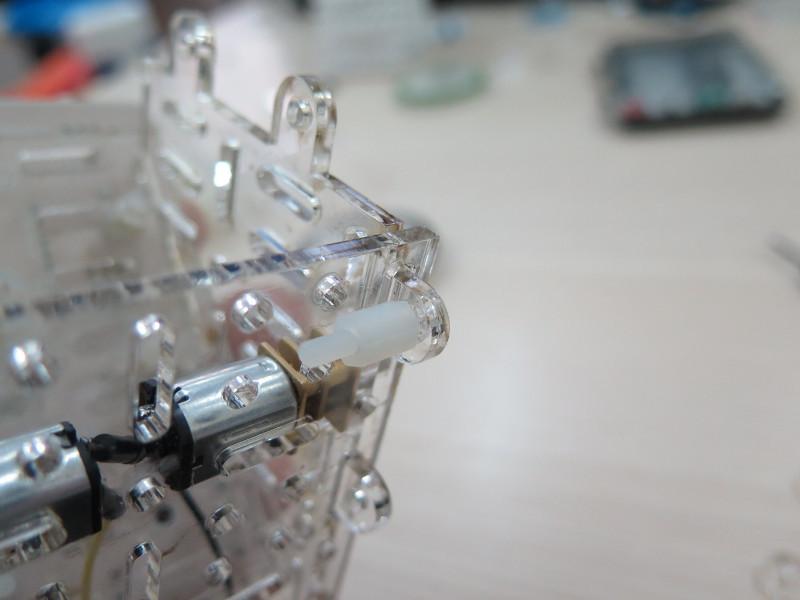 Как мы придумывали конструктор для детской робототехники. Часть 0. Акрил - 4