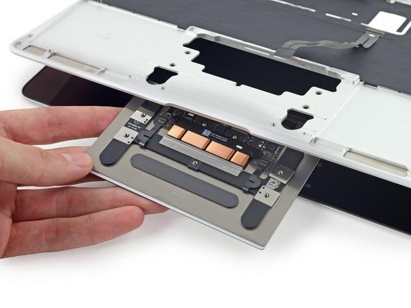 Разборка Retina Macbook 2015 от iFixit: невозможно ни отремонтировать, ни проапгрейдить - 31