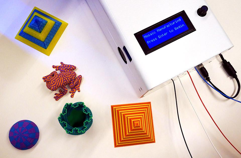 Система The Palette позволяет печатать разноцветные фигурки на обычном 3D принтере - 1