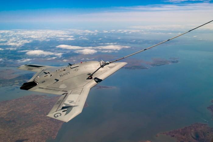 Военный дрон впервые дозаправился в воздухе без участия человека - 2