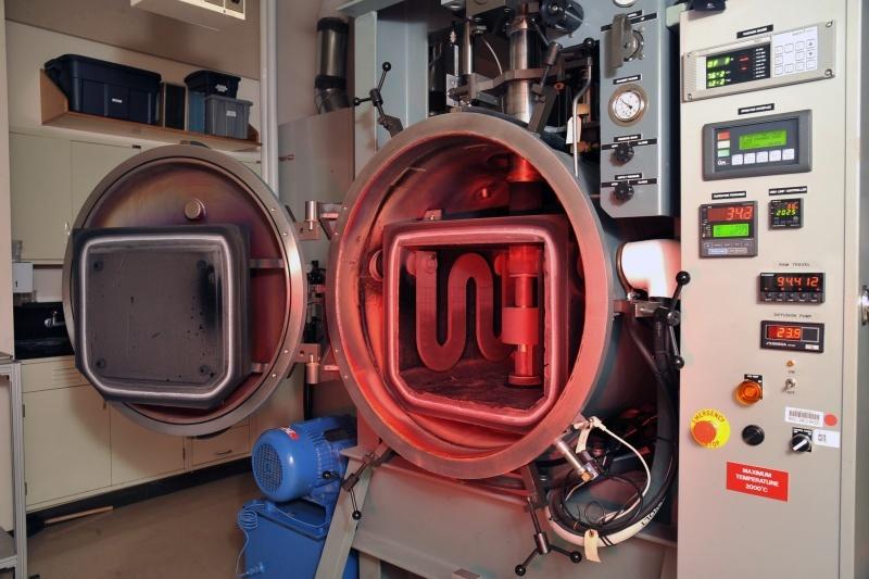 Американские инженеры получили прочный и прозрачный материал на замену стекла - 2