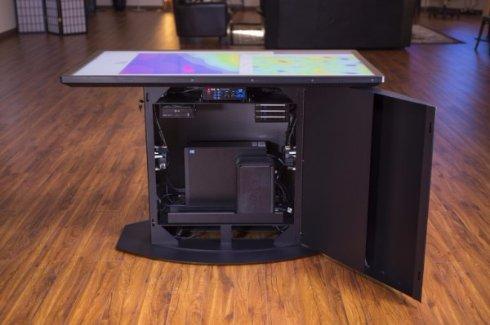 Первый в мире умный стол с разрешением 4К
