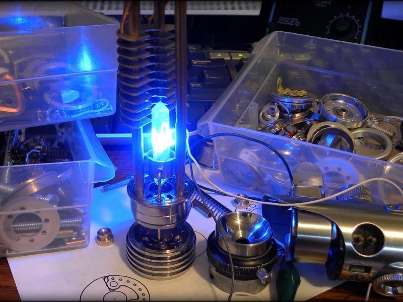 Разборка светового меча от iFixit: 10 из 10 по шкале ремонтируемости - 34