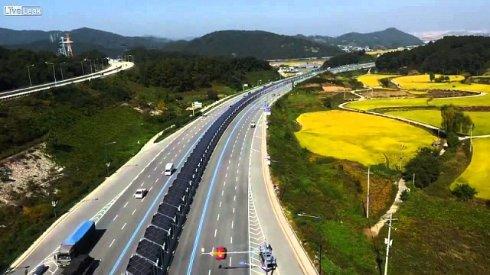 В Южной Корее построили шоссе, оснащённое солнечными батареями