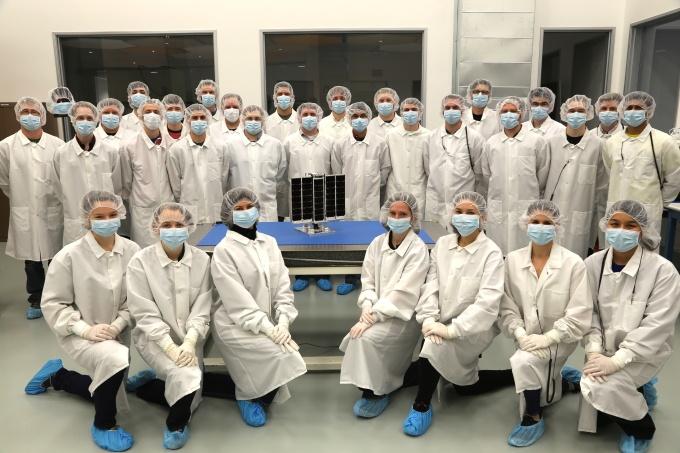 Компания Planetary Resources, собирающаяся разрабатывать астероиды, запустит свой первый спутник в июне - 2