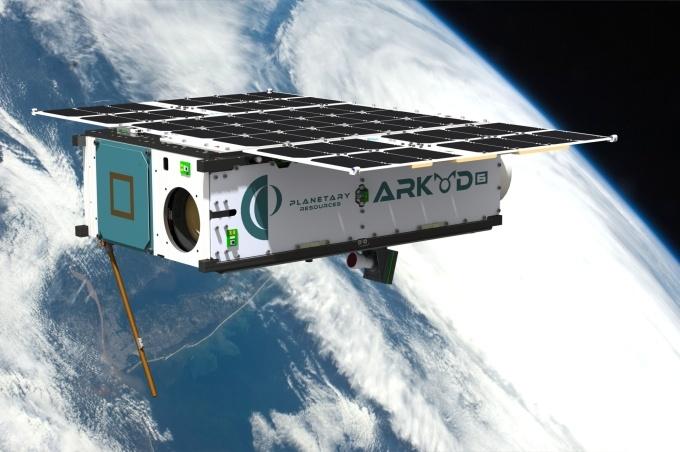 Компания Planetary Resources, собирающаяся разрабатывать астероиды, запустит свой первый спутник в июне - 3