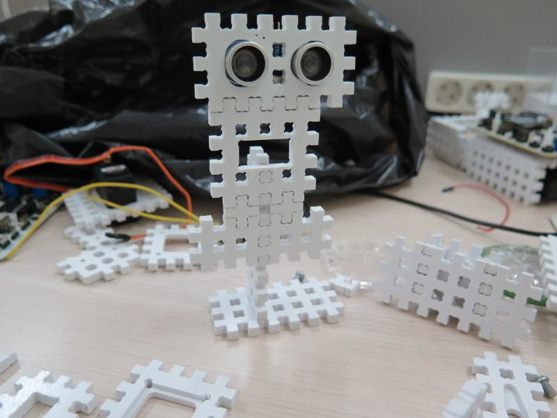 Как мы придумывали конструктор для детской робототехники. #1 - 10