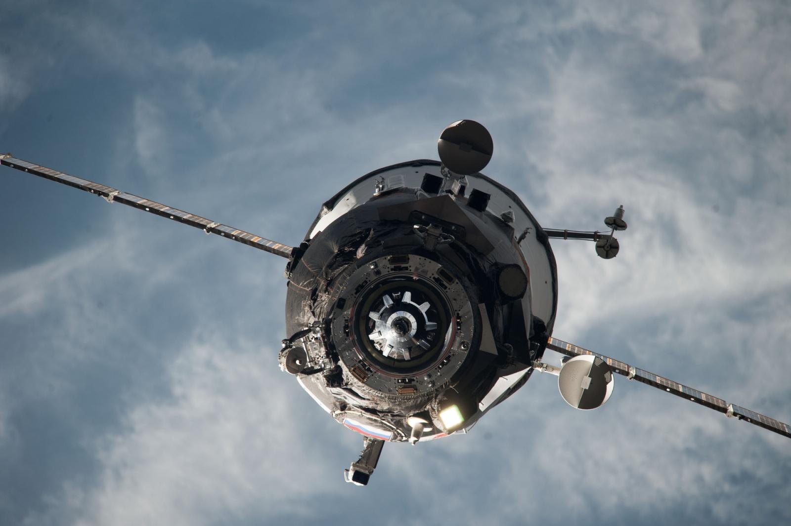 «Прогресс М-27М» сошёл с орбиты этой ночью, а запуск «Союза ТМА-17М» отложили на две недели - 1