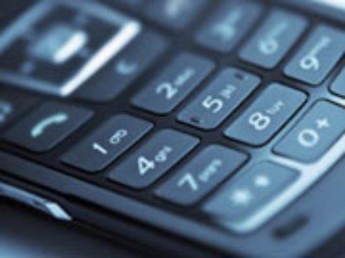 Автор законопроекта об учете мобильных телефонов обвиняет операторов в нечестной игре