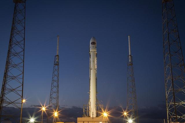SpaceX будет отправлять в космос самые ценные грузы NASA - 1