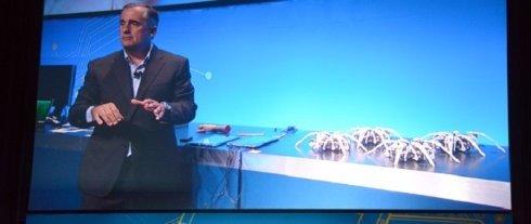 Intel разработала роботизированных пауков, управляемых «умным» браслетом