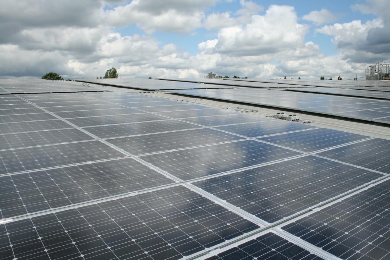 Японцы завершили строительство крупнейшей в мире плавучей солнечной электростанции - 4