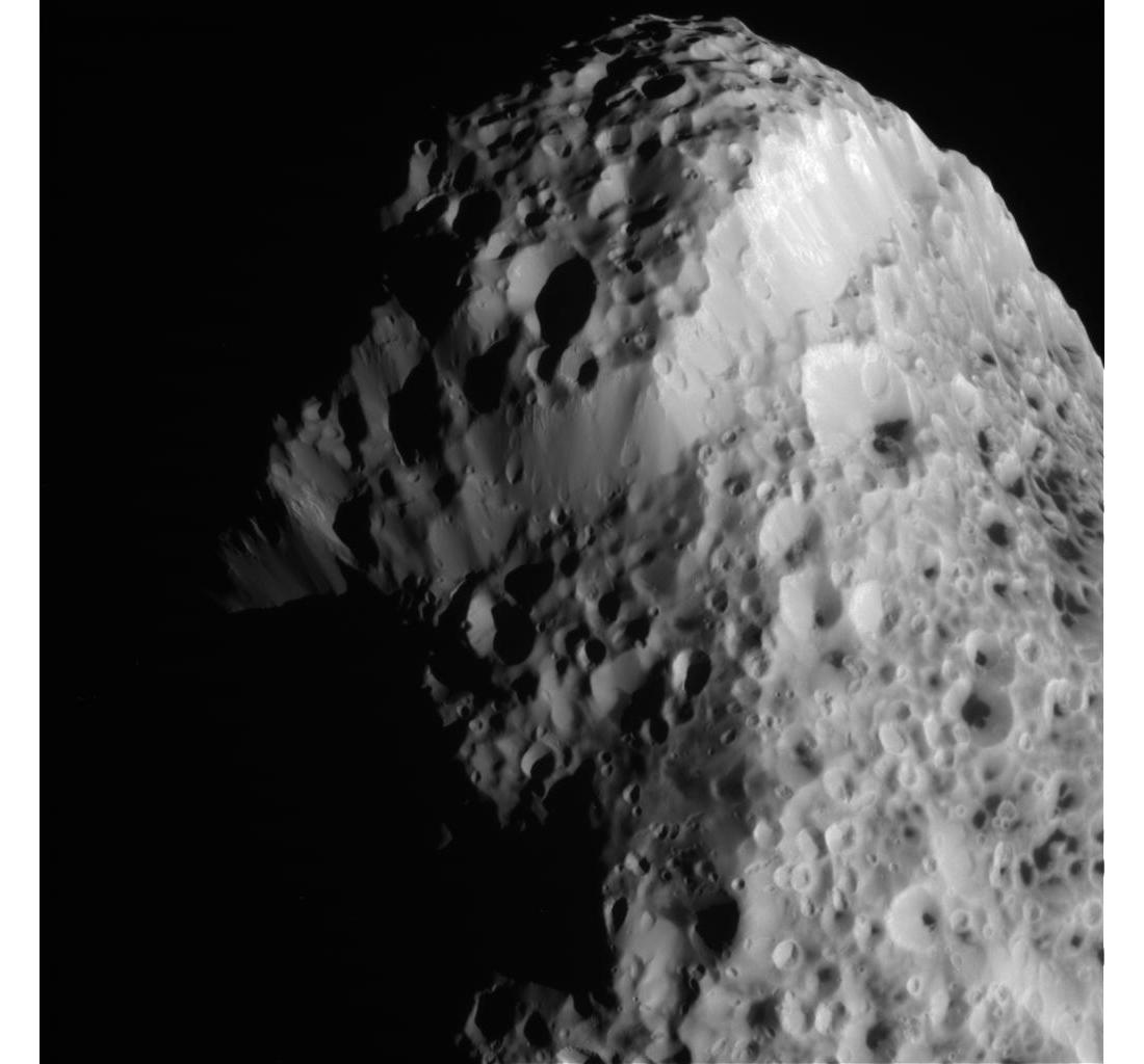 Станция Cassini передала новые фото спутника Сатурна - 2