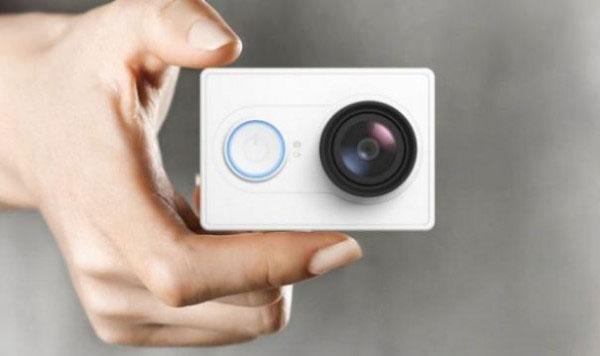 Модель Xiaomi Yi Camera Night Vision Edition выступает конкурентом гораздо более дорогих моделей