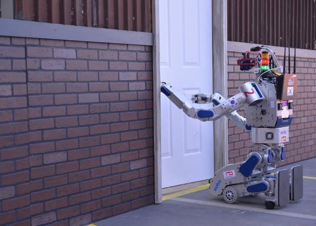 Робот-гуманоид DRC-Hubo победил на соревнованиях DARPA Robotics Challenge - 3