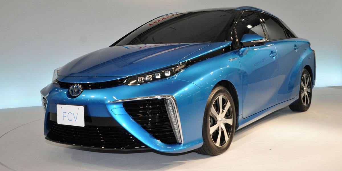 Mirai — это будущее. Первый в мире серийный автомобиль на водородном топливе. Если верить Toyota. Минифоторепортаж - 1