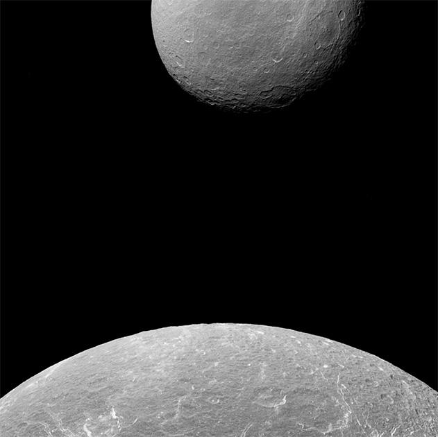 Cassini сфотографировал три спутника Сатурна одновременно - 7