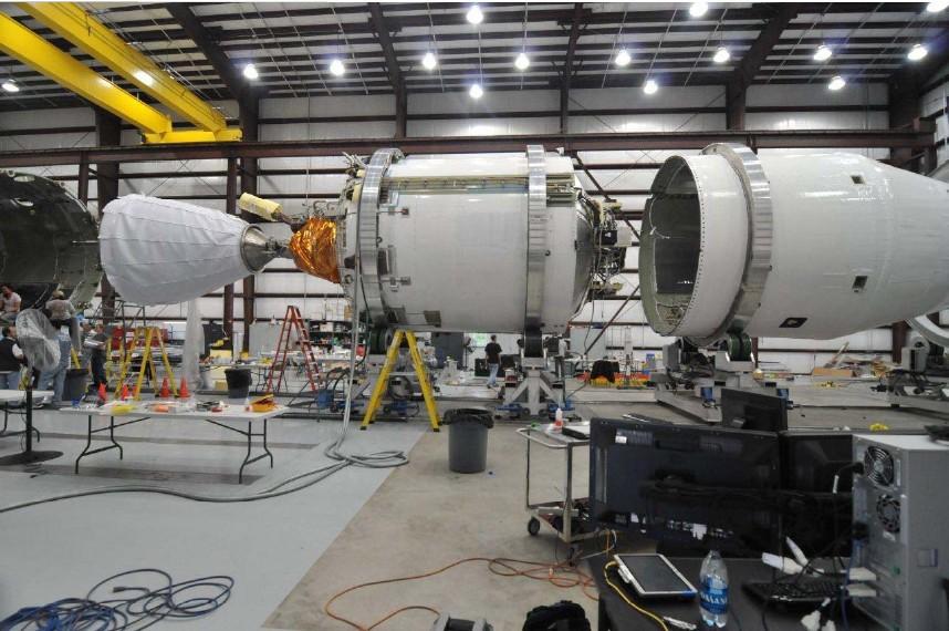 Гадаем о причинах аварии Falcon 9 - 8