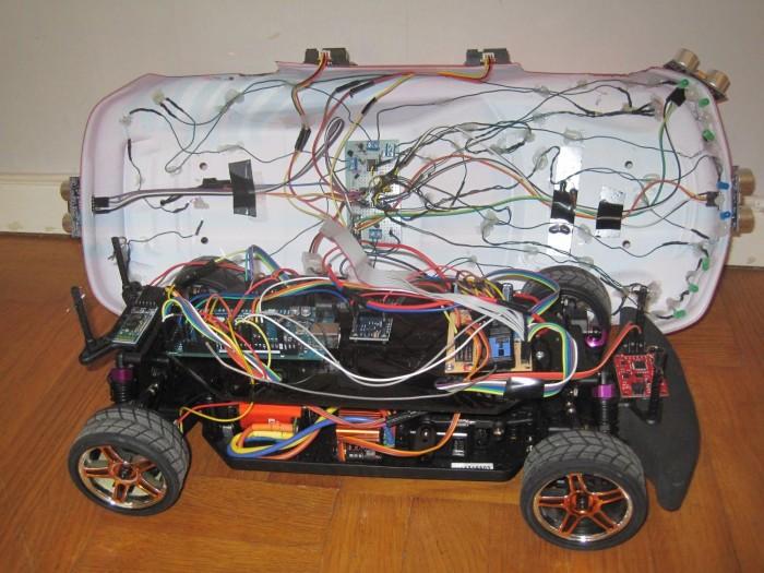 Студенты сделали самоуправляемый автомобиль на Arduino-Android - 2