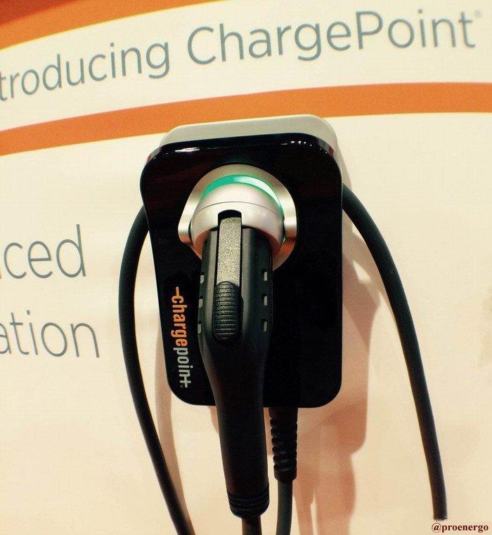 В США зарядные установки для электромобилей стали еще доступней для простых потребителей - 1