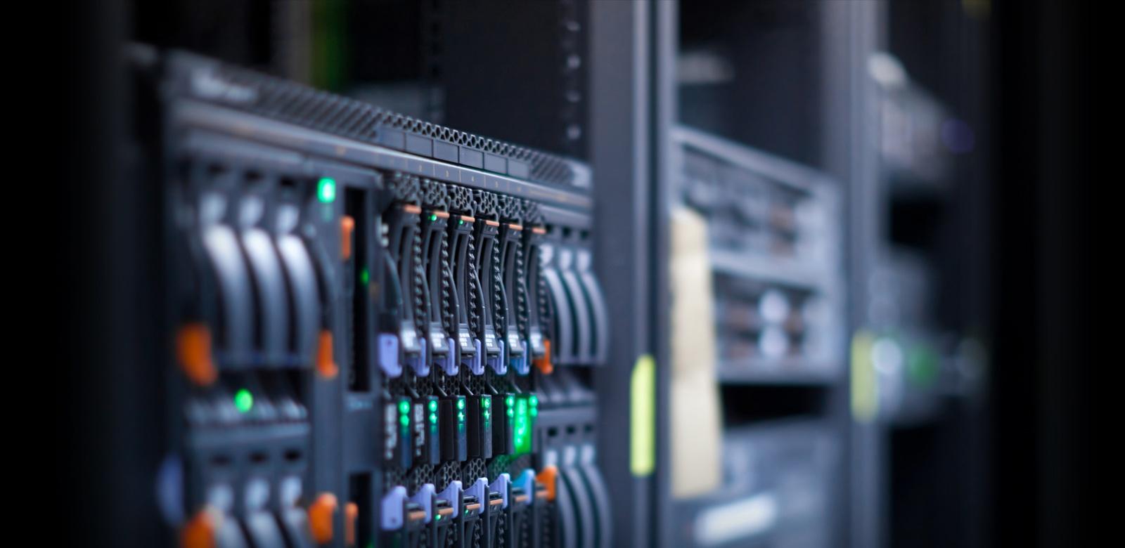 Десятка топовых серверов и обновлений 2015-го года - 1