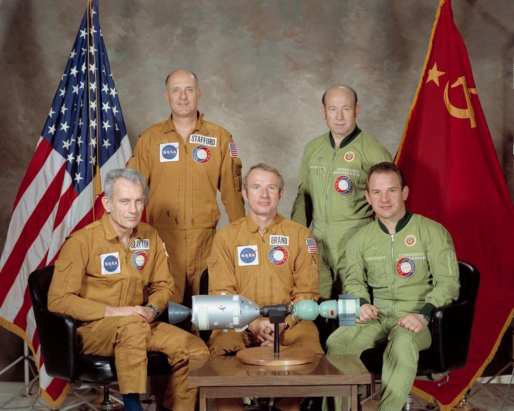 40 лет со дня первой стыковки Союза и Аполлона - 6