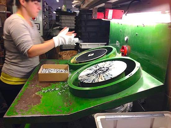 Как работает крупнейшая фабрика виниловых пластинок - 2