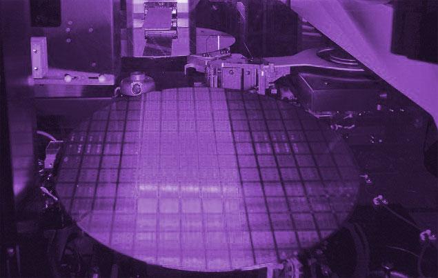 Сканеры для литографии EUV разрабатывает и выпускает компания ASML