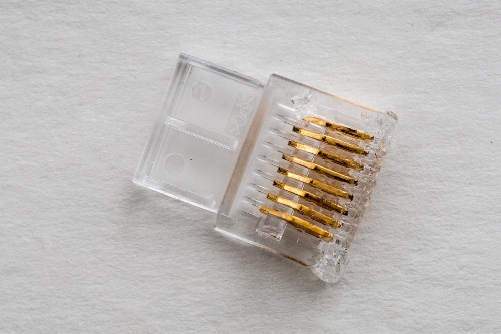 Журналисты ресурса Ars Technica разобрались, что внутри у дорогого аудиофильского ethernet-кабеля - 10