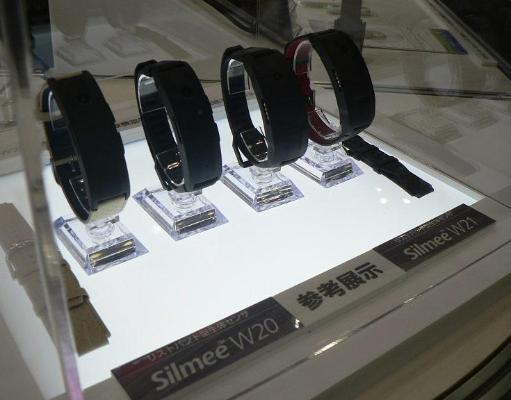 Браслеты Toshiba Silmee W20 и W21 будут выпущены в сентябре