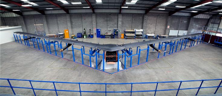 Размах крыльев Aquila примерно равен 40 м, а масса аппарата составляет 400 кг