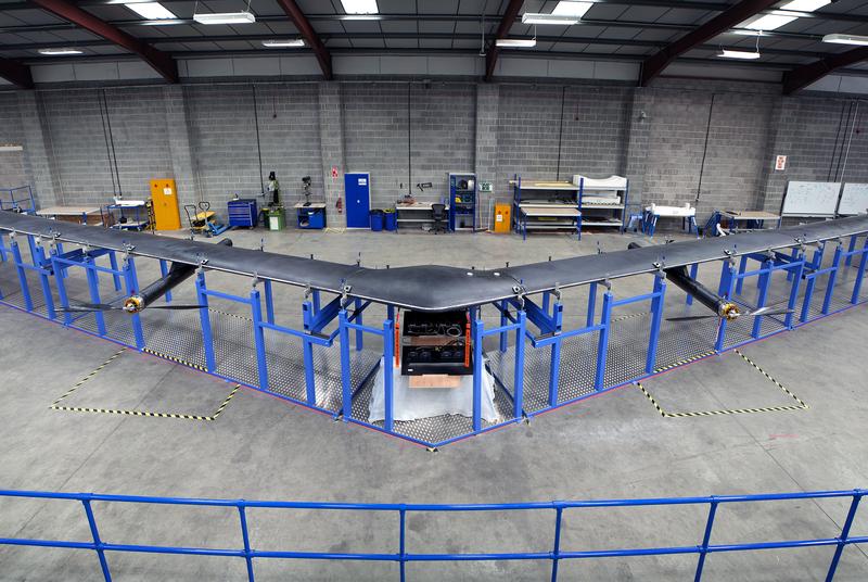 Компания Facebook представила свой интернет-беспилотник на солнечных батареях - 1