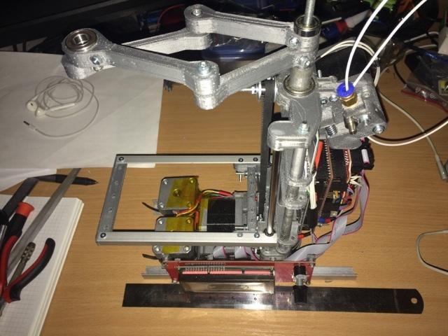 Самодельный принтер на SCARA механике - 2