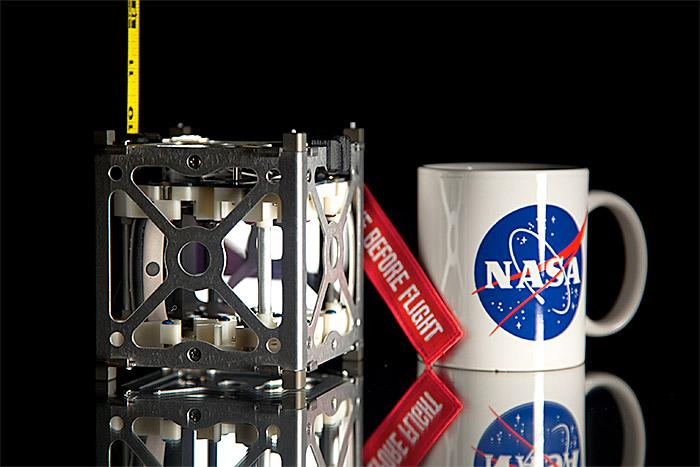 NASA готовит рой микроспутников к Луне - 4