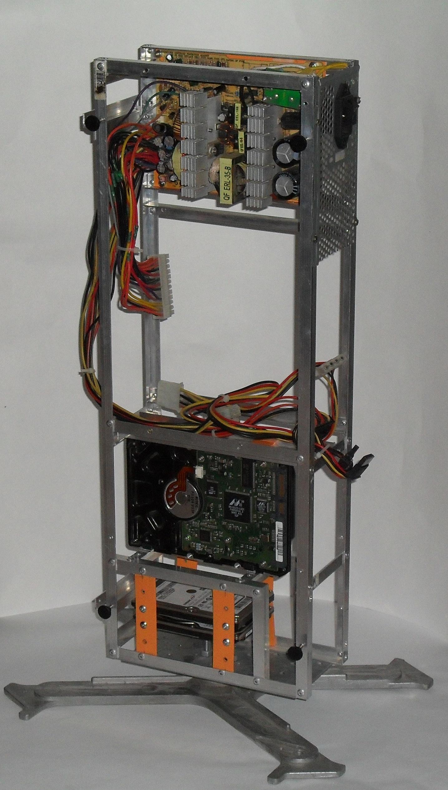 Еще один сервер из подручных средств с претензией на красоту - 17