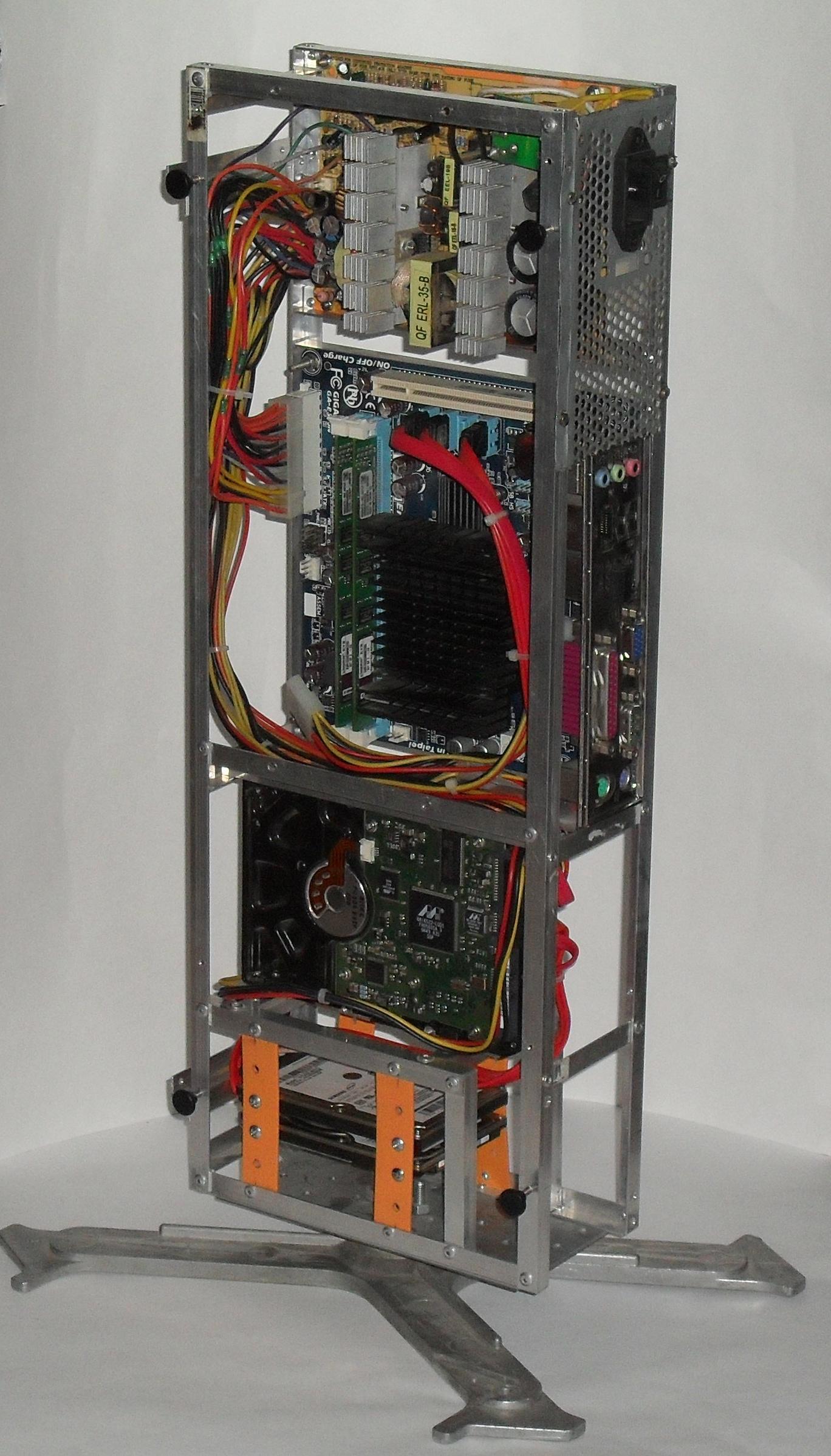 Еще один сервер из подручных средств с претензией на красоту - 26