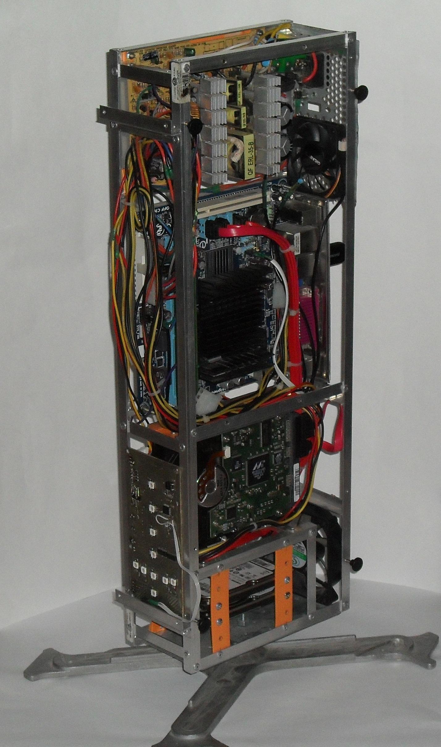 Еще один сервер из подручных средств с претензией на красоту - 27