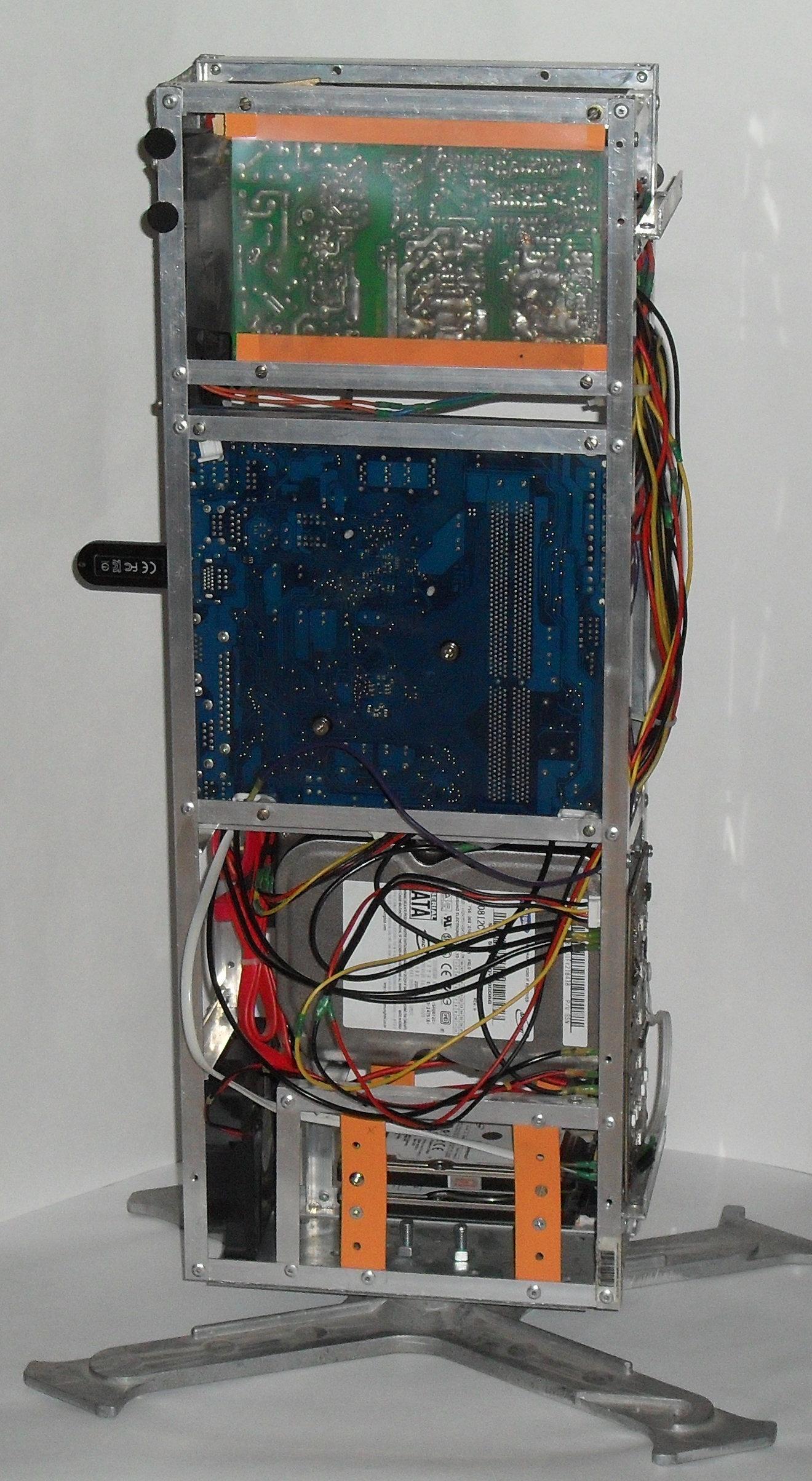 Еще один сервер из подручных средств с претензией на красоту - 29