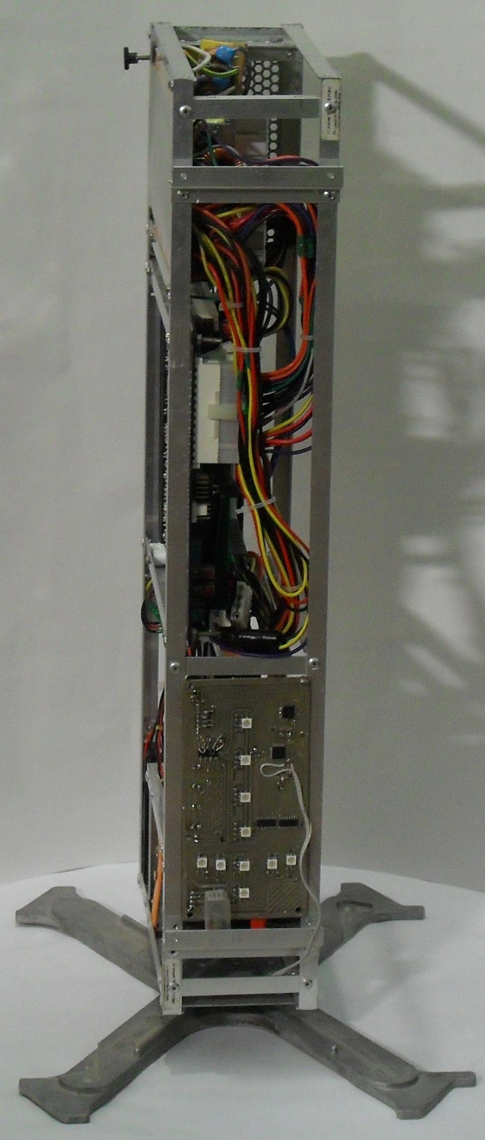 Еще один сервер из подручных средств с претензией на красоту - 36