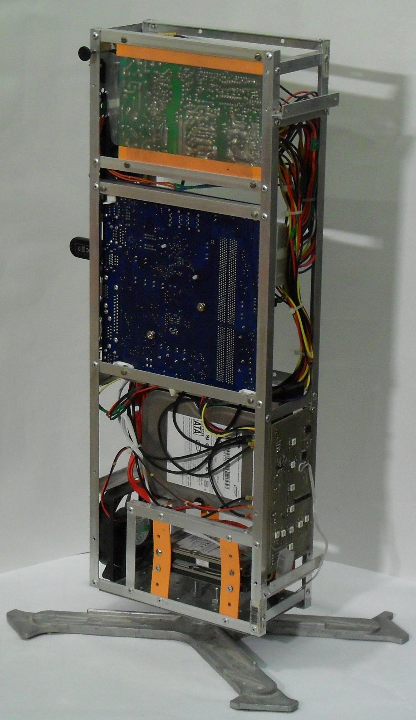 Еще один сервер из подручных средств с претензией на красоту - 37