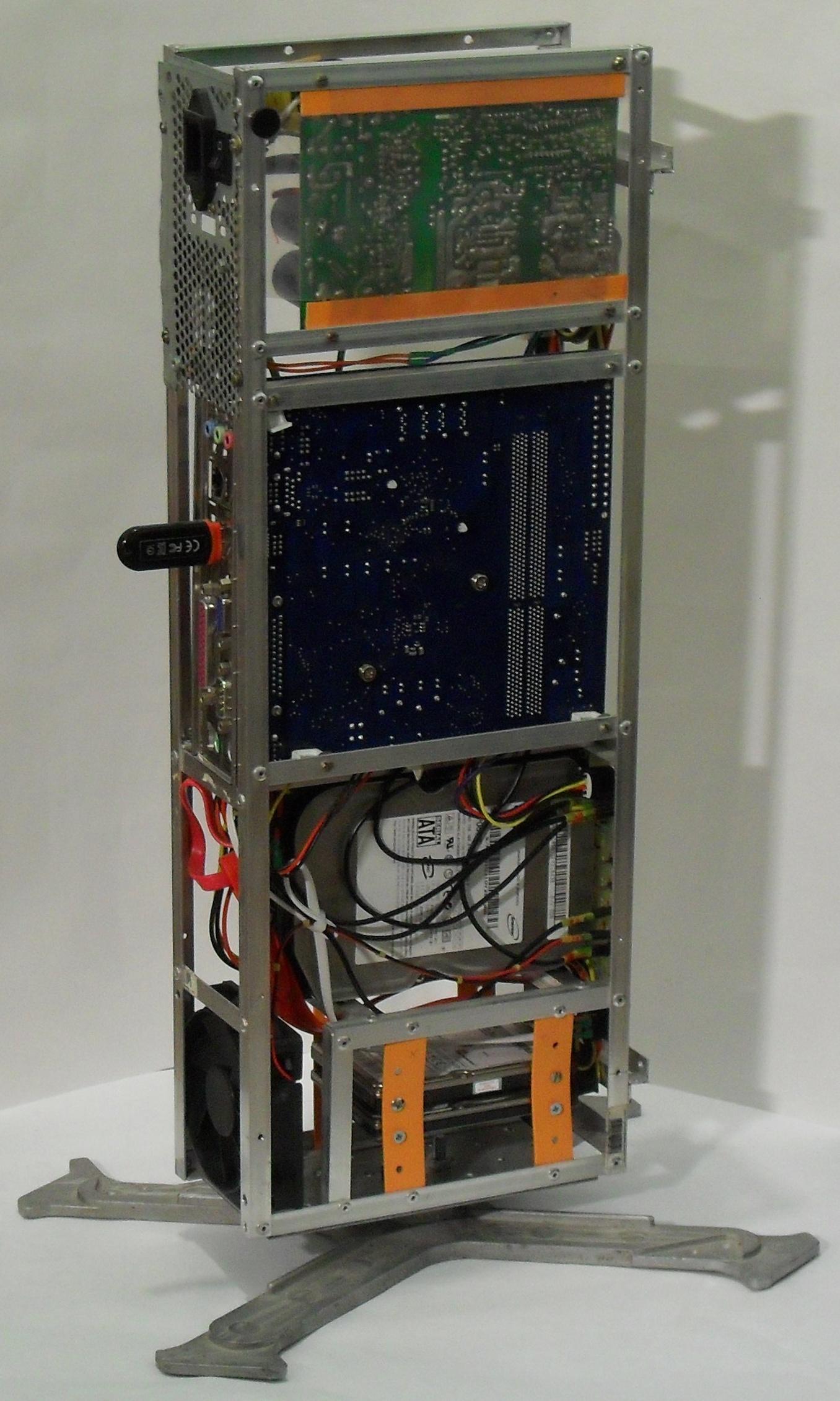Еще один сервер из подручных средств с претензией на красоту - 38