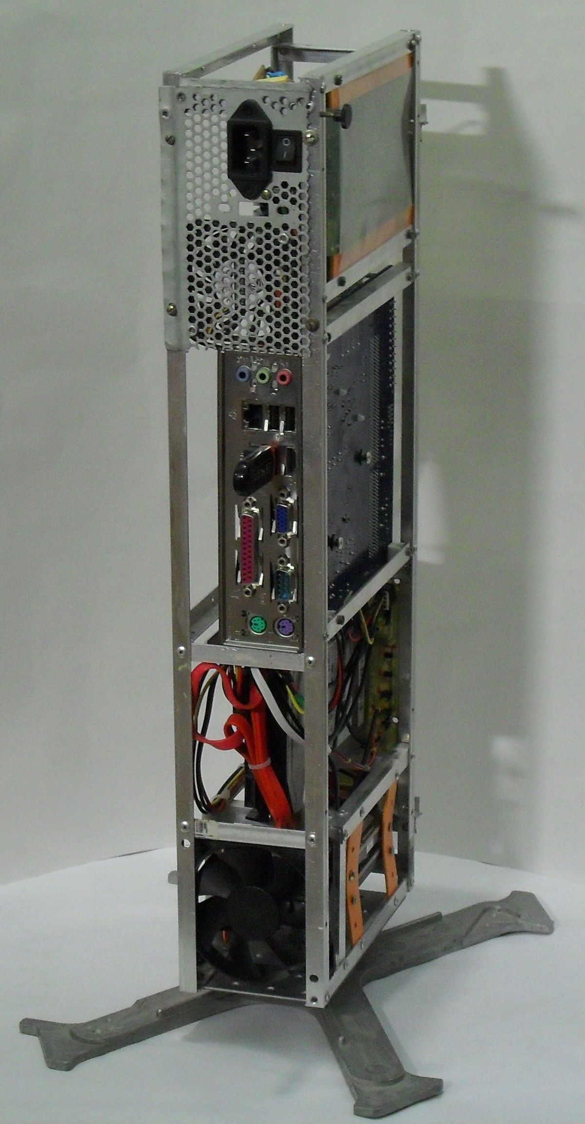Еще один сервер из подручных средств с претензией на красоту - 39