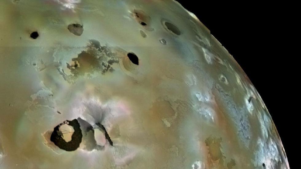 Астрономы смогли получить снимки лавового озера на поверхности Ио, спутнике Юпитера - 2