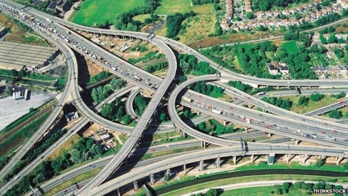 В Англии испытают «электрические дороги» с беспроводной зарядкой автомобилей - 1