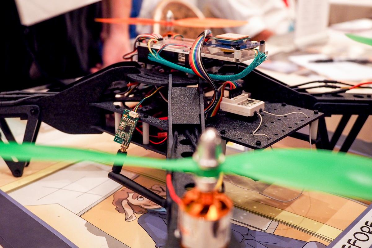 Квадрокоптер научили находить уязвимые сети и гаджеты на большой высоте - 1
